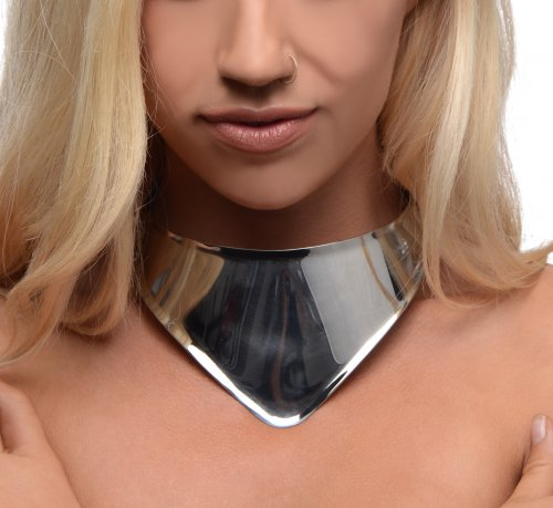 Elegant Steel Collar Close Up With Model