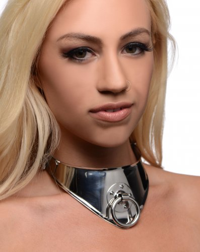 Ornate Locking Steel O Collar With Model