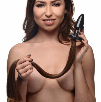 Brunette Pony Tail Plug With Model